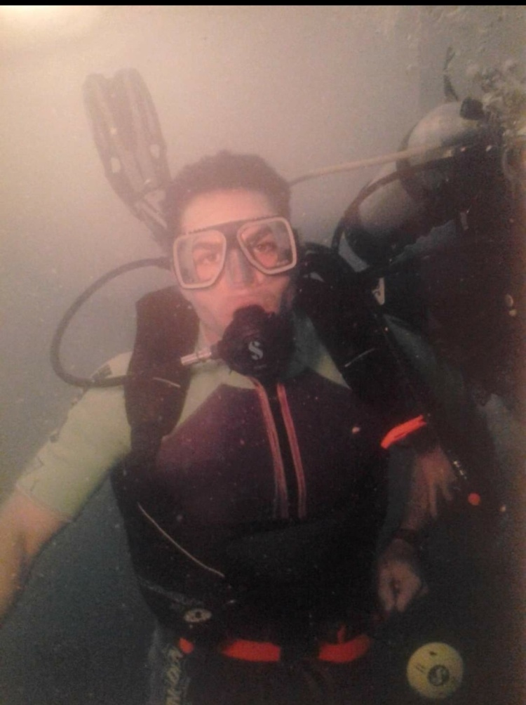 Israel Joffe scuba diving in Australia